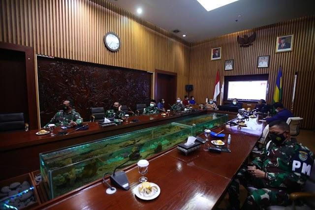 Menko Luhut : Minta Jangan Kendor, Pemkot Bandung Bakal Perketat Pelaksanaan PSBB Proporsional