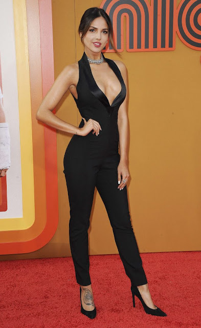 Eiza Gonzalez – 'The nice Guys' Premiere in Los Angeles