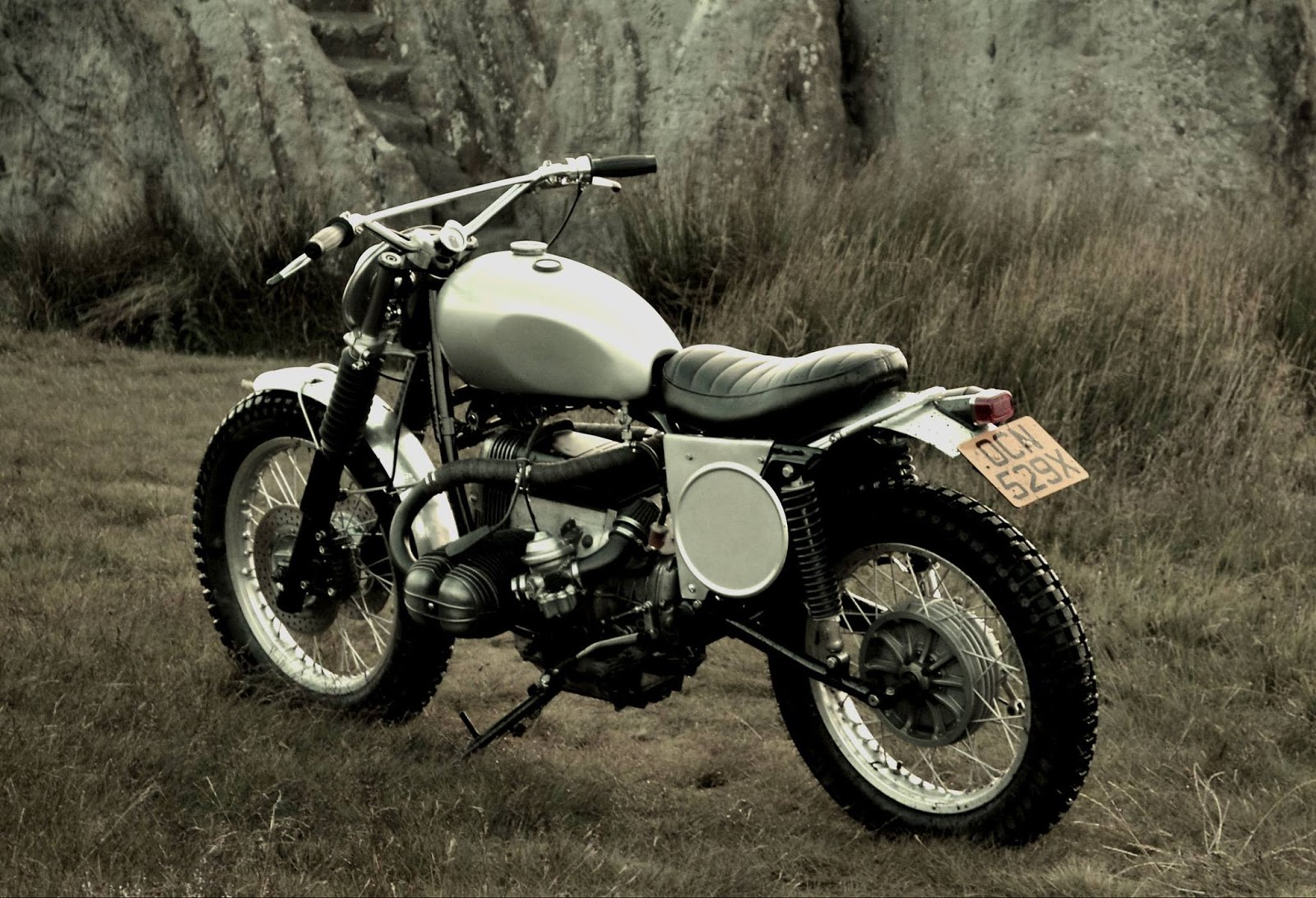dust motorcycles bmw r80 scrambler tri beemer. Black Bedroom Furniture Sets. Home Design Ideas