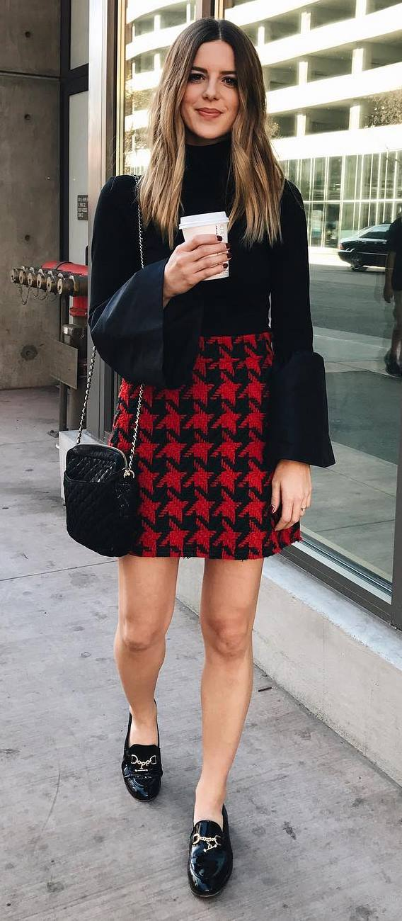 black and red outfit idea: top + bag + houndstooth or dogtooth skirt
