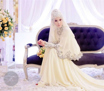 Gaun Pengantin Muslimah Sederhana