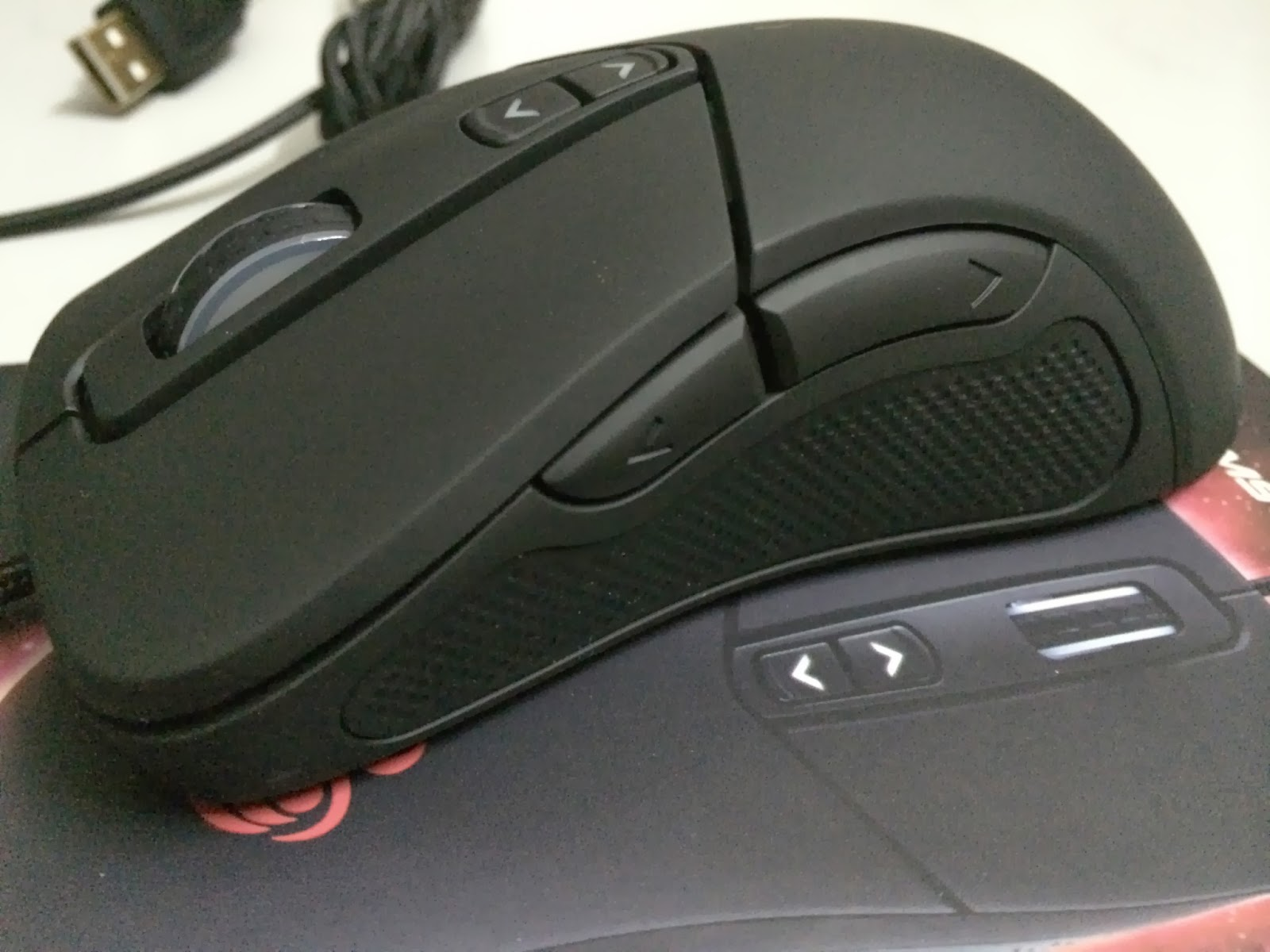 A Sneak Preview On The CM Storm Mizar Laser Gaming Mice 8