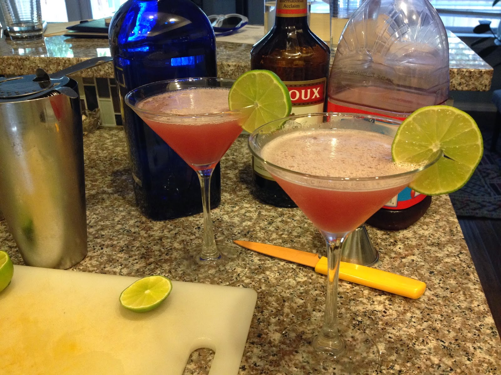 classic cocktail recipe: Cosmo