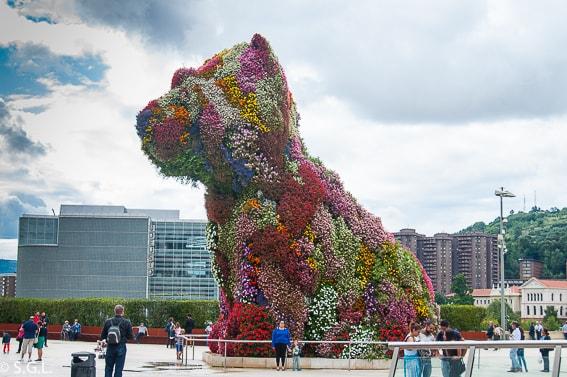 El perro de flores Puppy en Bilbao