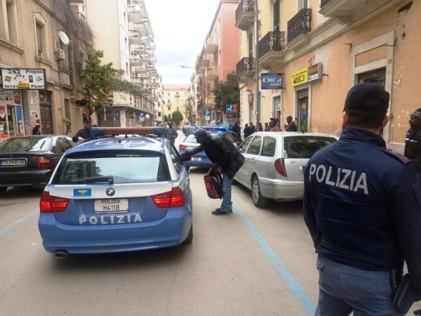 """Foggia. Degrado urbano, illegalità diffusa, bivacchi e assembramenti, i controlli della Polizia al Quartiere """"Ferrovia"""""""