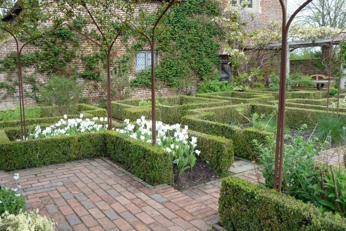 El jard n blanco de sissinghurst guia de jardin for Guia jardin noble 2016