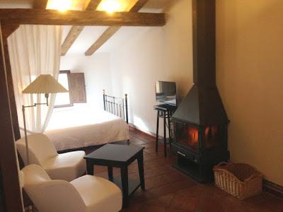 chimenea habitacion hotel rural cuenca