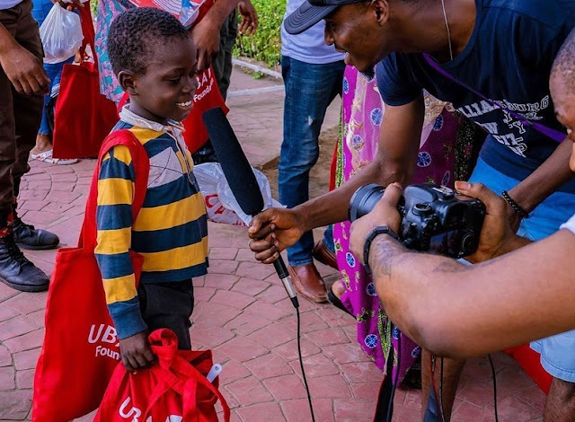Wizkid Serves Less Privileged At UBA Foundation Drive (Photos)