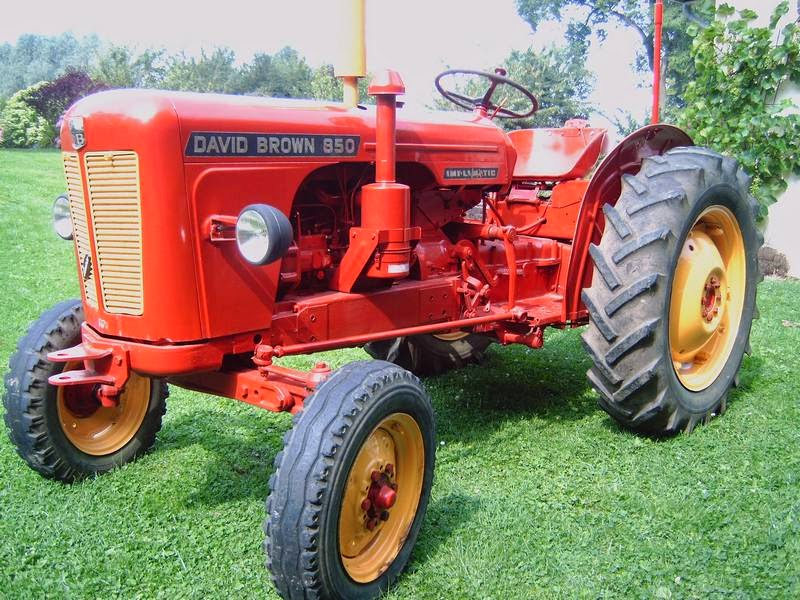 brisy village et ses anc tres les vieux tracteurs de brisy. Black Bedroom Furniture Sets. Home Design Ideas