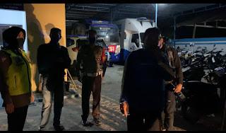 Kasat Lantas Polres Pinrang AKP Dharmawaty Pimpin Patroli Malam, 17 Motor Terjaring
