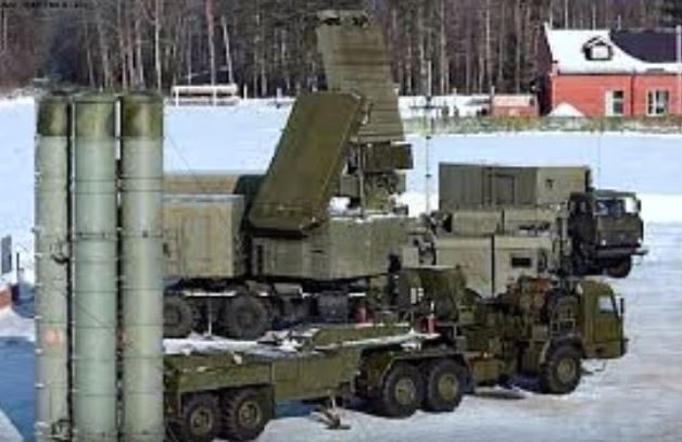 Gambar sistem rudal S-300 milik Rusia