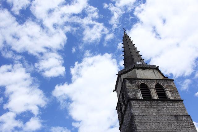 Vacances en camion, vintage, paysage, Ariège, La puce au grenier, architecture, sky