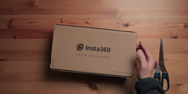 Insta360 ONE X2外包裝箱