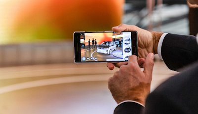 H BMW i δοκιμάζει εφαρμογή οπτικοποίησης επαυξημένης πραγματικότητας (Visualiser) βασισμένης στην Tango - την τεχνολογία AR για smartphone της Google