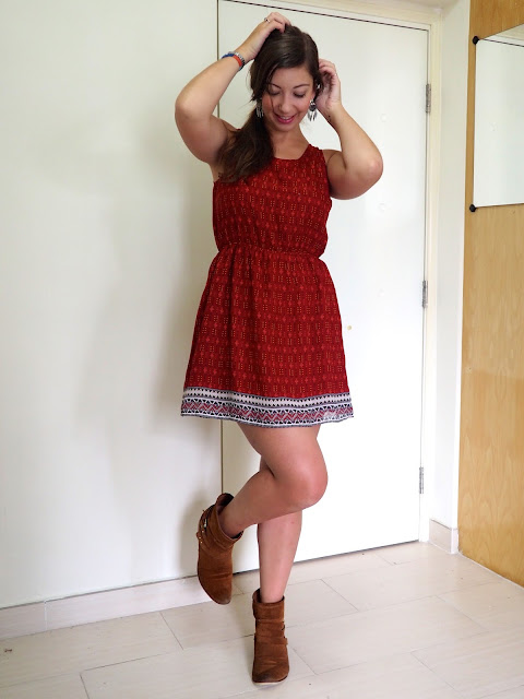 Feel the Sunshine | outfit of a short red patterned summer dress with cut out back, worn with brown ankle boots