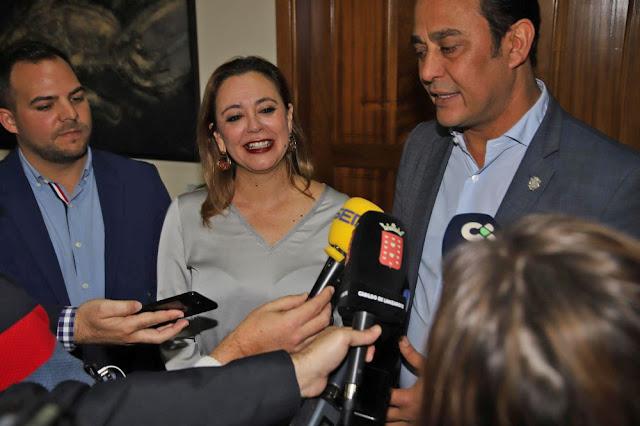 Grupos%2Bde%2BGobierno%2Bde%2Blos%2BCabildos%2Bde%2BFuerteventura%2By%2BLanzarote%2Bse%2Bre%25C3%25BAnen%2Bpara%2Bcoordinar%2Bpol%25C3%25ADticas%2Bcomunes%2B%2B - Grupos de Gobierno de los Cabildos de Fuerteventura y Lanzarote se reúnen para coordinar políticas comunes