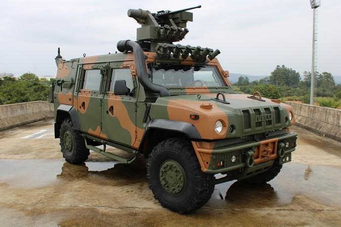 FPT Industrial equipa LMV-BR produzido pela IVECO Defence Vehicles