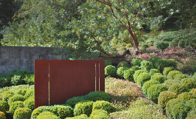 5 Stylish and beautiful ways to design a villa patio retaining wall