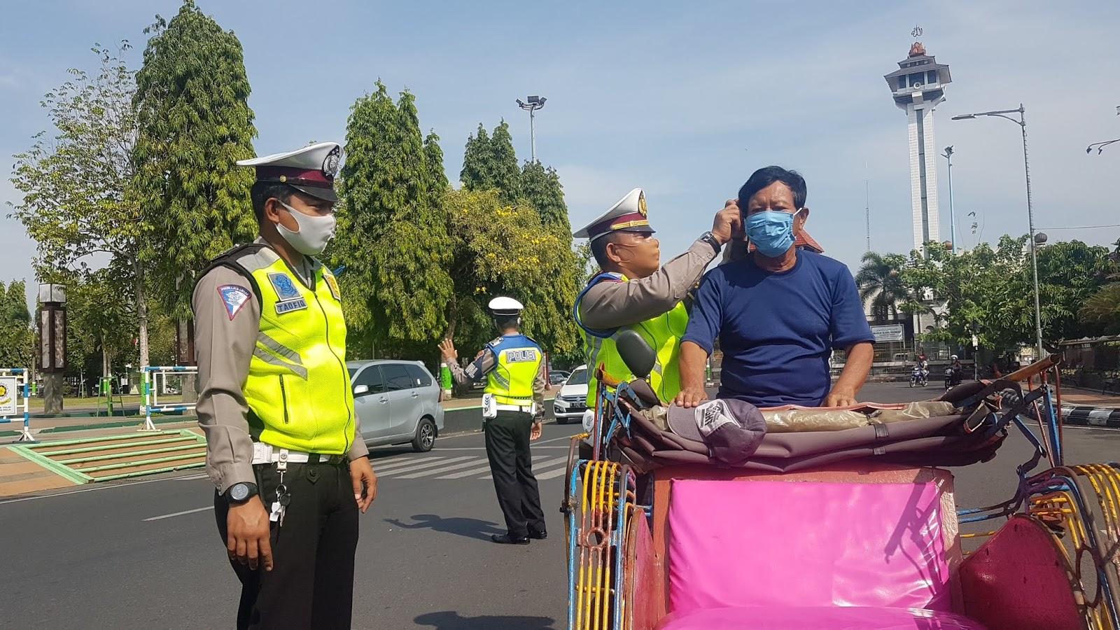 Tidak Pakai Masker Disuruh Menghafal Pancasila