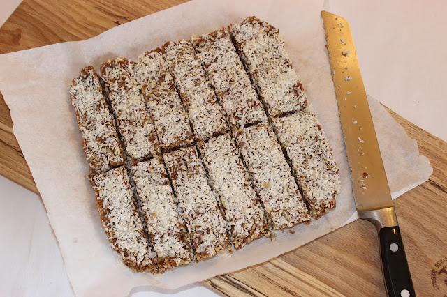 raw salted caramel bars