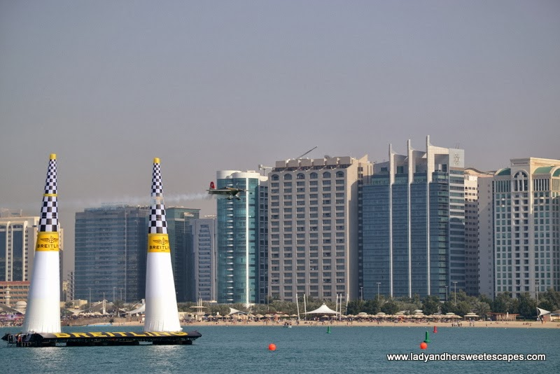 Red Bull Air Race in Abu Dhabi Corniche 2