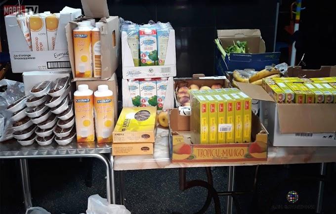 L'asbl Bavardons distribue des colis alimentaires pour les personnes défavorisées à Liège..