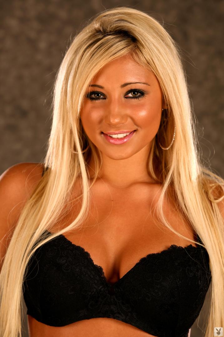 Pure dee blonde - galeries pornography