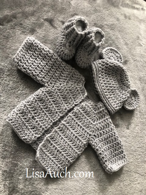Baby bear crochet newborn hat pattern - mallooknits.com | 640x480