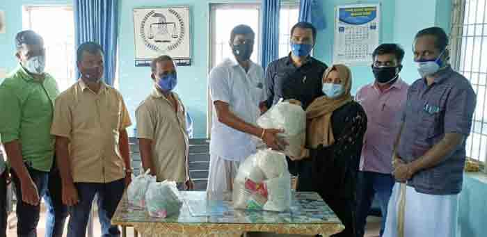 Traders and Industrialists Coordinating Committee extends helping hands to COVID affected families in Muliyar Panchayath