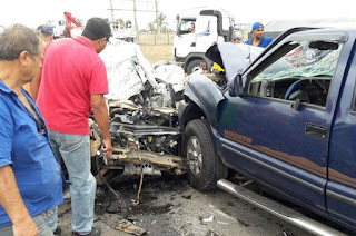 http://vnoticia.com.br/noticia/2155-grave-acidente-na-br-101-deixa-um-morto-e-um-ferido