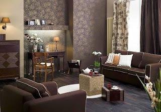 Sala pequeña marrón