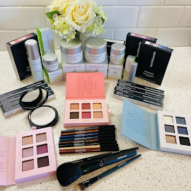 Freshen Up and Get Pretty with bareMinerals!