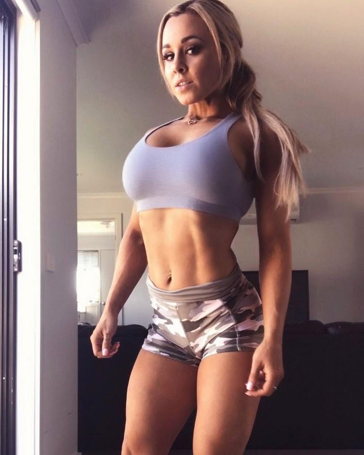 Stephanie Sanzo Australian fitness model