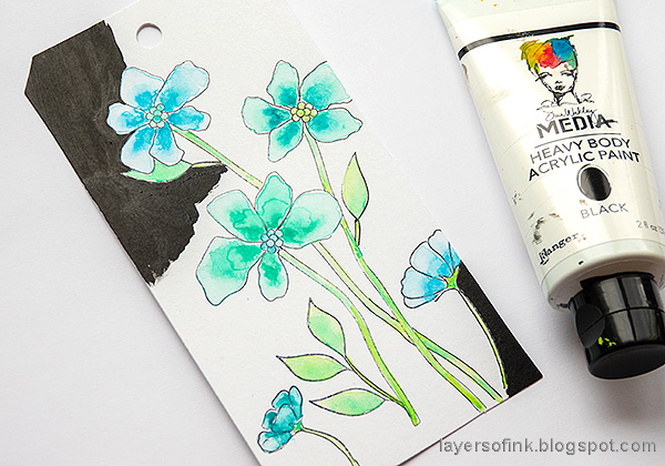 Layers of ink - Watercolor floral on black background tutorial by Anna-Karin Evaldsson. Paint the background.