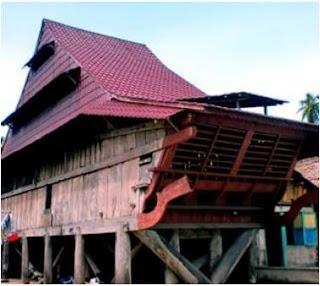 Bentuk Arsitektur Rumah Adat Nias dan Fungsinya