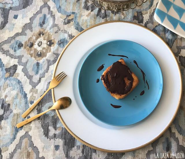 torrija-al-horno-con-chocolate-fluido