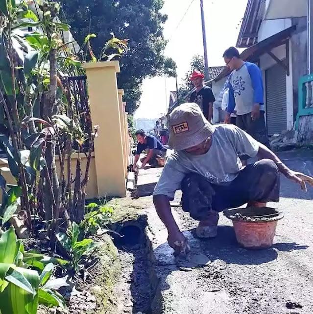 Perbaikan jalan Desa Wanayasa. Inspektorat dan KPK tak perlu meriksa!