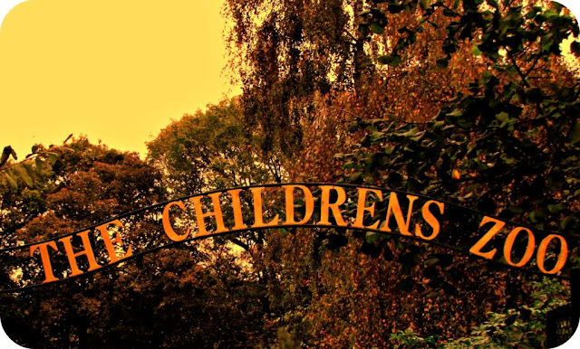 The Children's Zoo sign