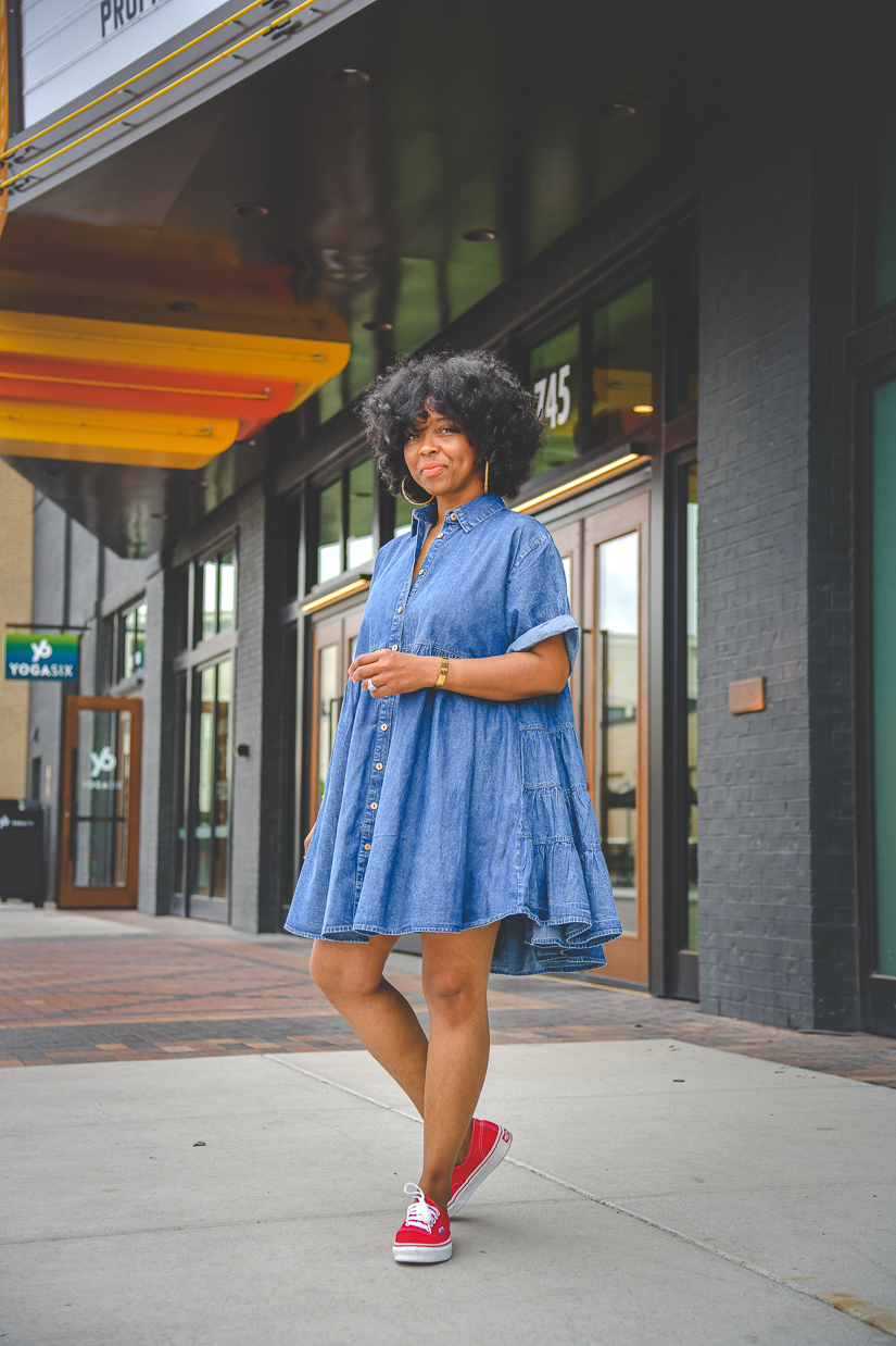 SWEENEE STYLE, OUTFIT IDEA, DENIM DRESS, SUMMER OUTFIT IDEA