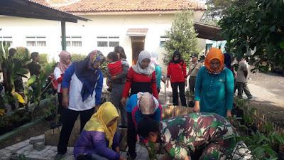 http://www.topfm951.net/2019/07/persit-taman-baru-koramil-bulakamba.html#more