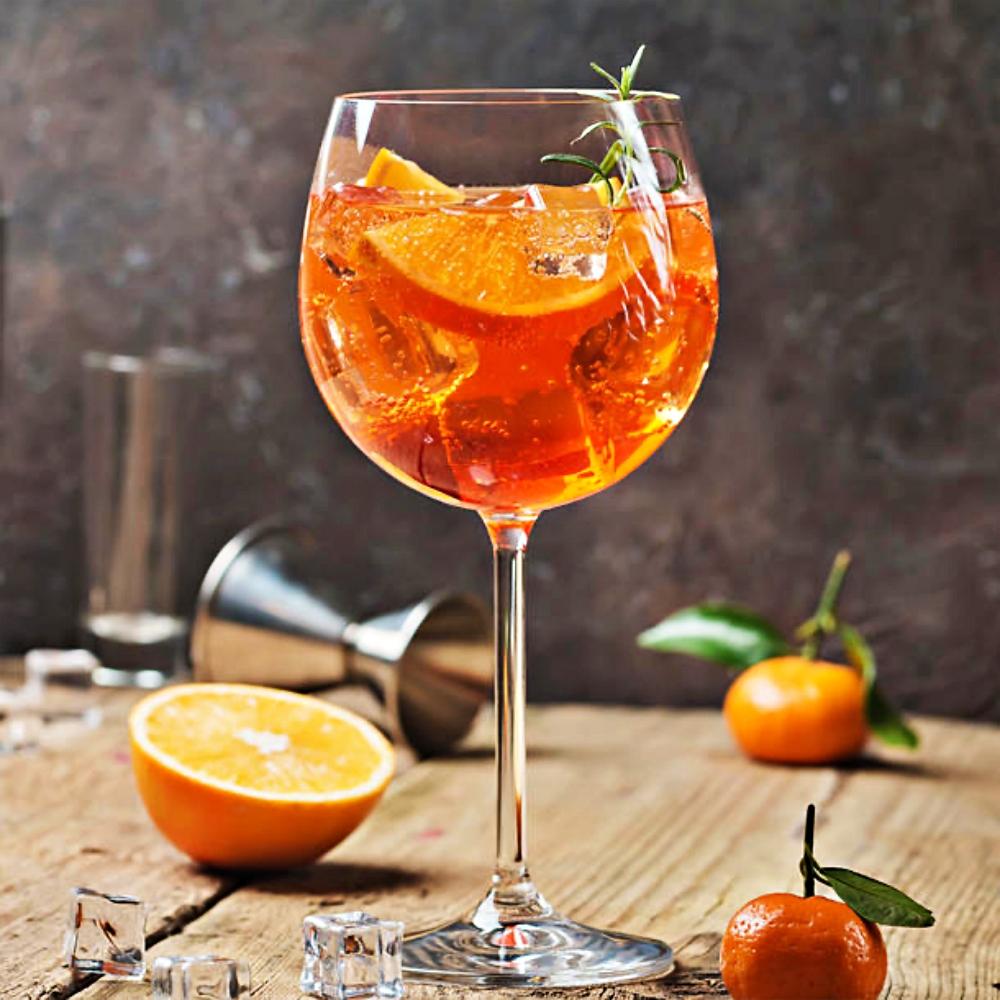 Wer Zitrusfrüchte mag, wird diesen alkoholfreien Orangen-Aperitif lieben