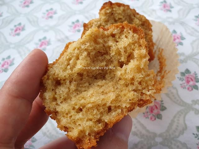 Magdalenas de nata con harina de centeno blanco