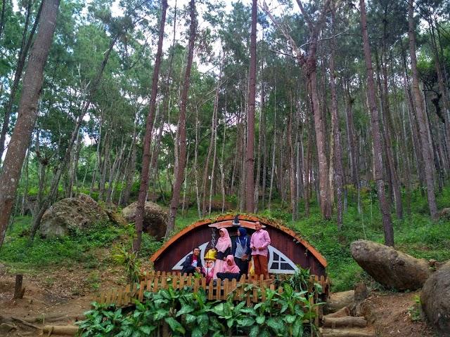 Bersilaturahmi ke Rumah Hobbit di Yogyakarta