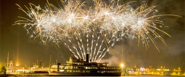New Year 2016 Eve Cruise Party Fireworks Pics Free Download