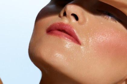 6 Cara Efektif Mengatasi Minyak Berlebih Pada Wajah