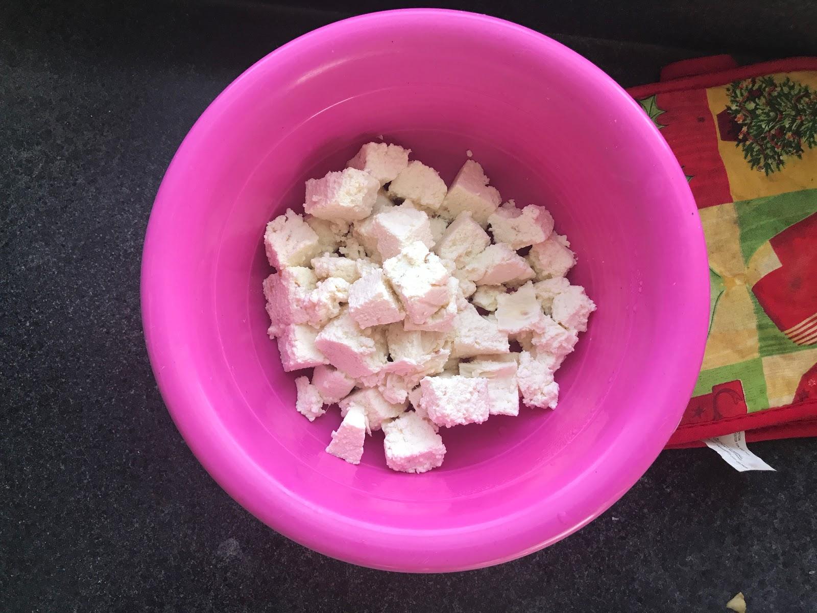 http://www.shobiskitchen.com/2017/08/paneercottage-cheese.html