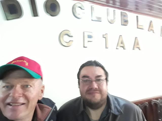 Besuch beim Radioclub in La Paz, wo man mir einen Stapel von QSL Karten übergeben konnte. Das Miteinander der bolivianischen Amateurfunker wird bei diversen Festen gepflegt, an denen ich auch schon teilgenommen habe.