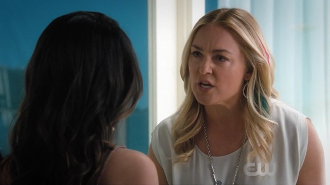 Image result for Jane the virgin season 3 episode 19 luisa and Eileen