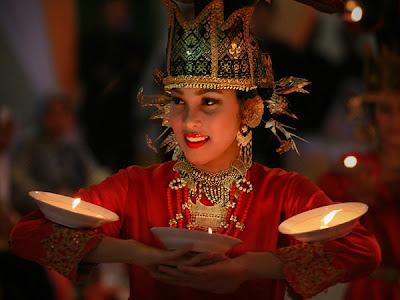 Kesenian Tradisional Sumatera Barat atau Minangkabau