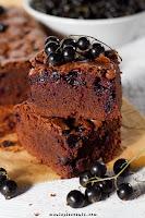 Brownie z czarną porzeczką